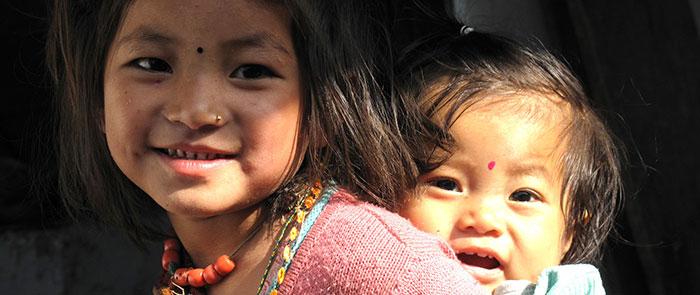 fillette-scolarisee-himalpyramis-nepal